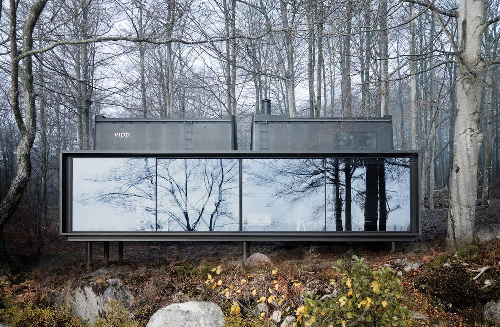 модульный дом в лесу